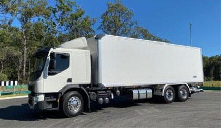 Volvo-FE-12-Pallet-Heavy-Rigid-Tailgate-Raised-e1589419168411